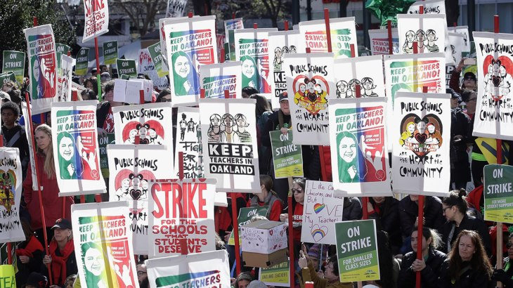 5151486_022219-kgo-ap-oak-teacher-strike-signs-img.jpg