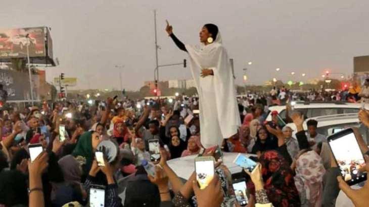 sudan-lady-liberty-e1554962595752.jpg